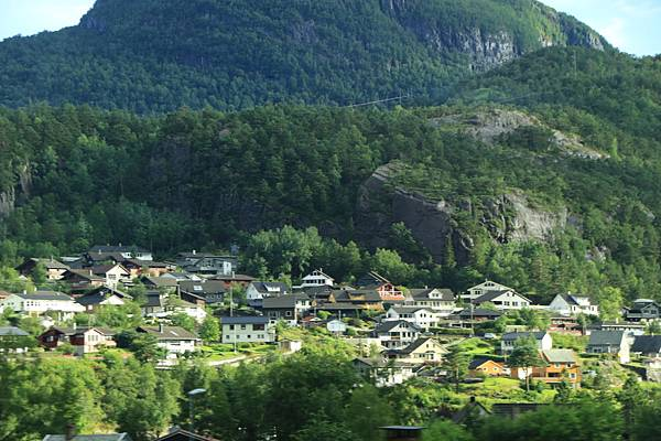 2016 Jul 20 挪威峽灣公路景觀 - 022.jpg