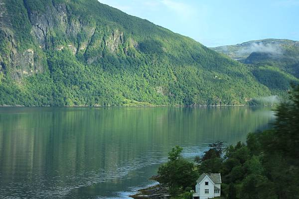 2016 Jul 20 挪威峽灣公路景觀 - 014.jpg