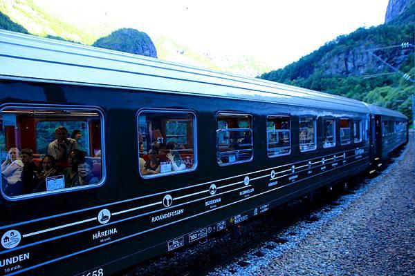 2016 Jul 21 挪威高山火車景觀 - 85.jpg