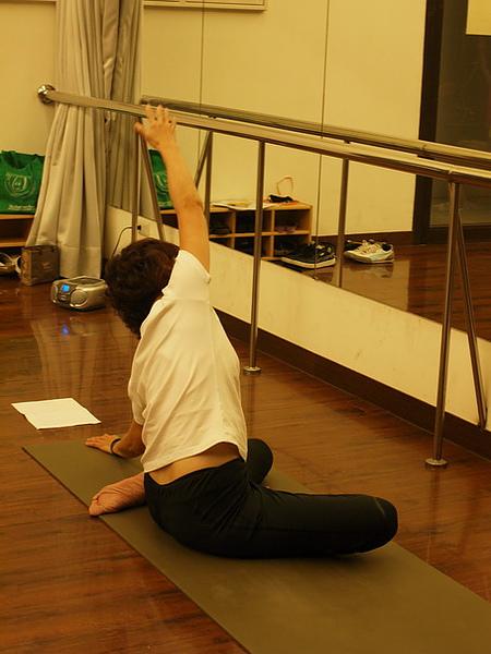 2010瑜珈-Jul15 (115)_調整大小.JPG