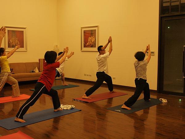 2010瑜珈-Jul15 (69)_調整大小.JPG