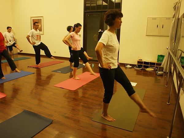 2010瑜珈-Jul15 (92)_調整大小.JPG