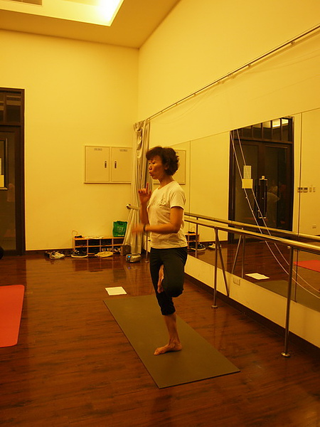 2010瑜珈-Jul15 (81)_調整大小.JPG