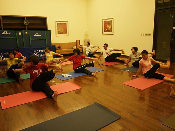 2010瑜珈-Jul15 (100)_調整大小.JPG