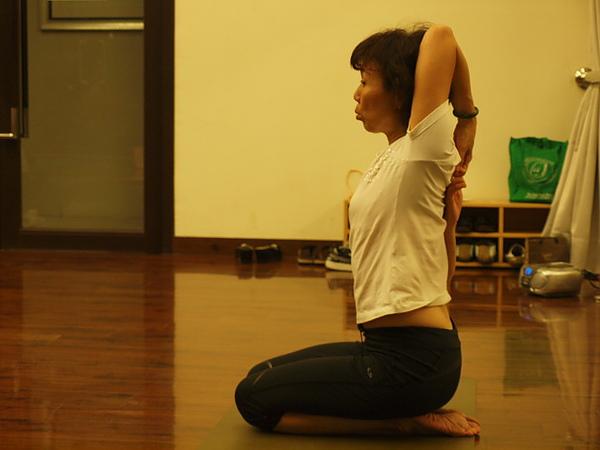 2010瑜珈-Jul15 (30)_調整大小.JPG