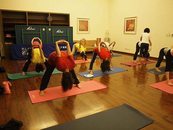 2010瑜珈-Jul15 (78)_調整大小.JPG
