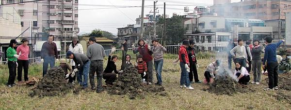 2011 Jan 7 竹東烤番薯 (21).JPG