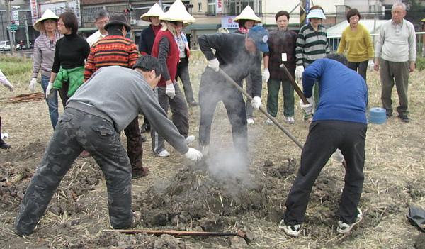 2011 Jan 7 竹東烤番薯 (35).JPG