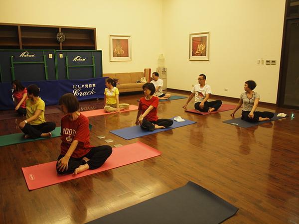 2010瑜珈-Jul15 (12)_調整大小.JPG