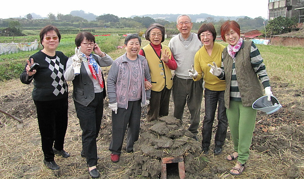 2011 Jan 7 竹東烤番薯 (9).JPG
