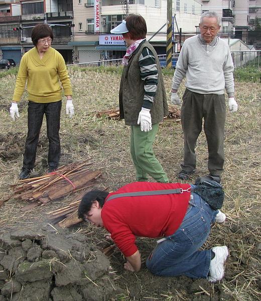 2011 Jan 7 竹東烤番薯 (43).JPG
