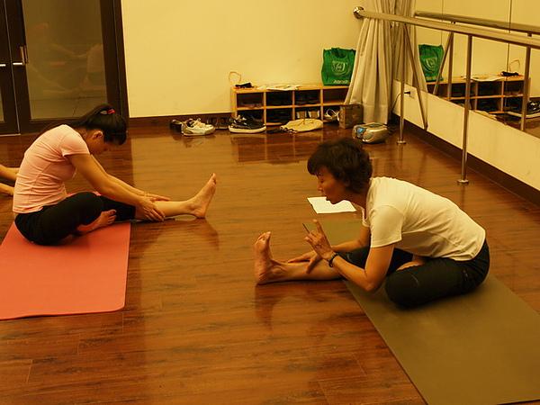 2010瑜珈-Jul15 (102)_調整大小.JPG