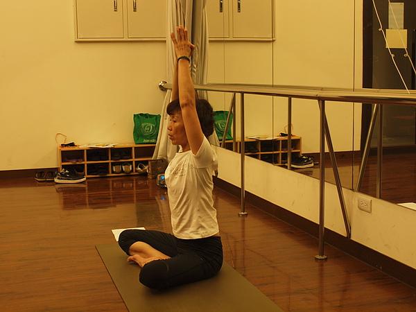 2010瑜珈-Jul15 (7).JPG