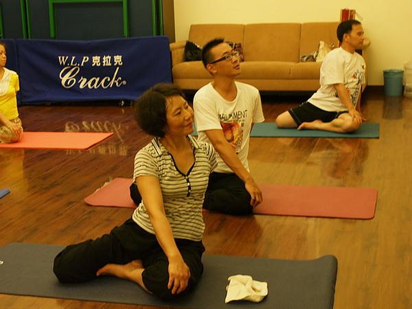 2010瑜珈-Jul15 (113)_調整大小.JPG