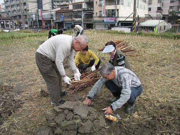2011 Jan 7 竹東烤番薯 (10).JPG