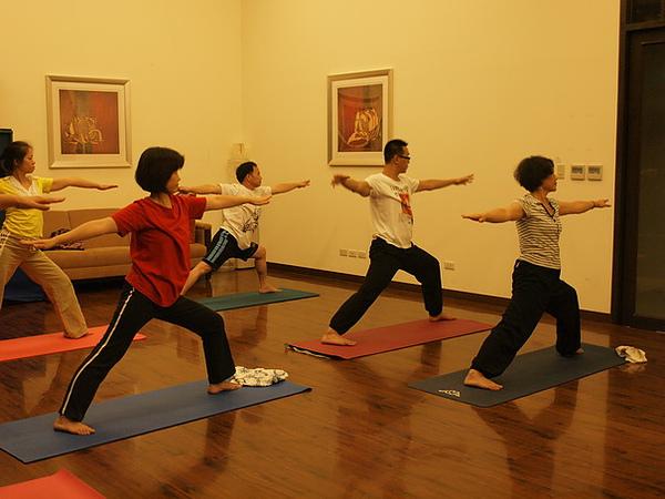 2010瑜珈-Jul15 (70)_調整大小.JPG