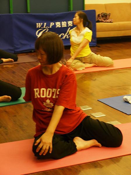 2010瑜珈-Jul15 (117)_調整大小.JPG