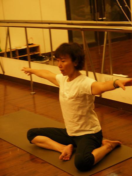 2010瑜珈-Jul15 (109)_調整大小.JPG