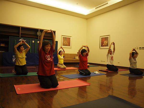 2010瑜珈-Jul15 (19)_調整大小.JPG