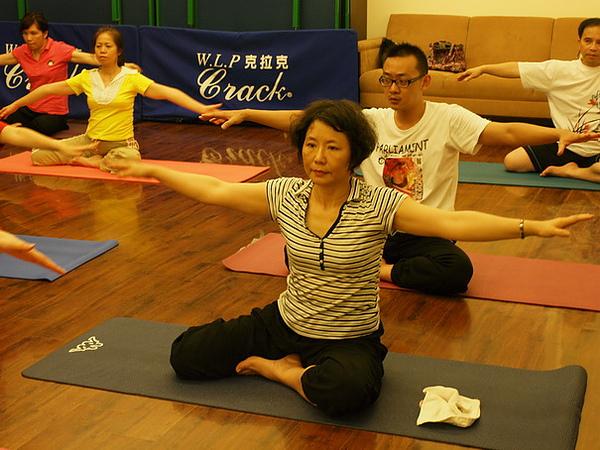 2010瑜珈-Jul15 (112)_調整大小.JPG