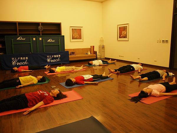2010瑜珈-Jul15 (135)_調整大小.JPG