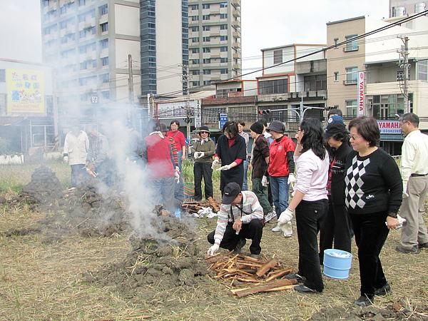 2011 Jan 7 竹東烤番薯 (17).JPG