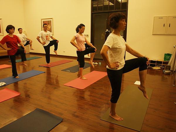 2010瑜珈-Jul15 (89)_調整大小.JPG