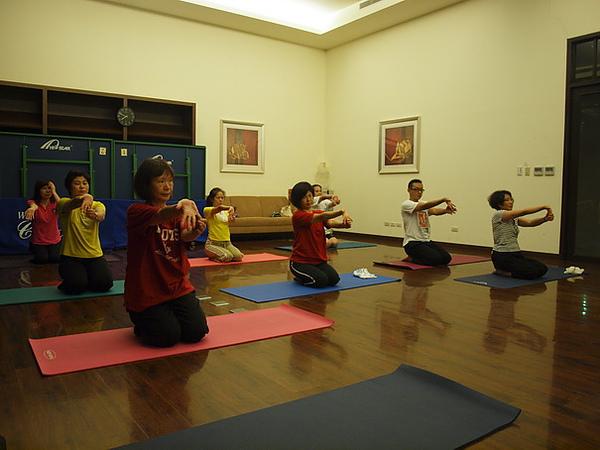 2010瑜珈-Jul15 (22)_調整大小.JPG