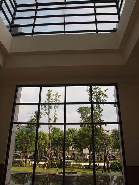 紫京城美術班師生彩繪作品展_62.JPG