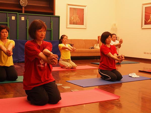 2010瑜珈-Jul15 (23)_調整大小.JPG
