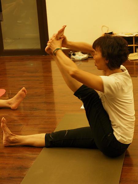2010瑜珈-Jul15 (96)_調整大小.JPG