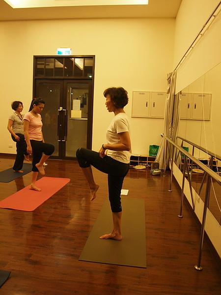 2010瑜珈-Jul15 (80)_調整大小.JPG