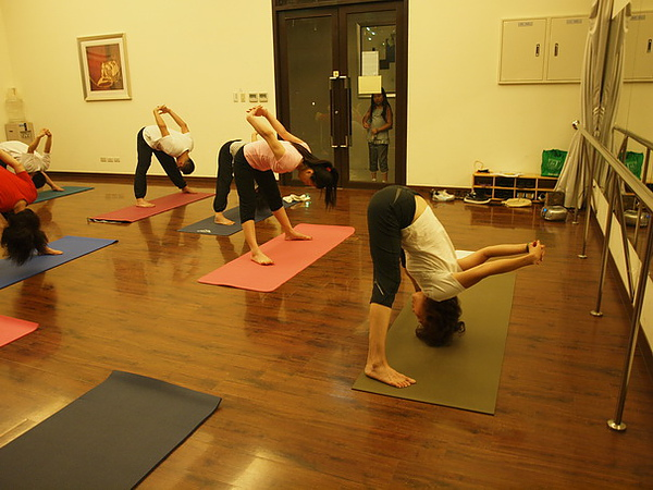 2010瑜珈-Jul15 (77)_調整大小.JPG