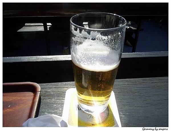 德國 萊茵河 泡泡不會消失的啤酒