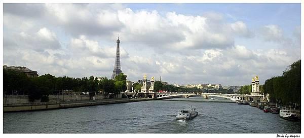 法國 協和廣場 遠看艾菲爾鐵塔