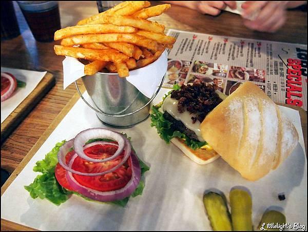 1885 burger- (16).JPG