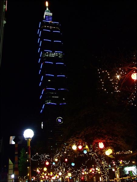 新舞台廣場- (3).JPG