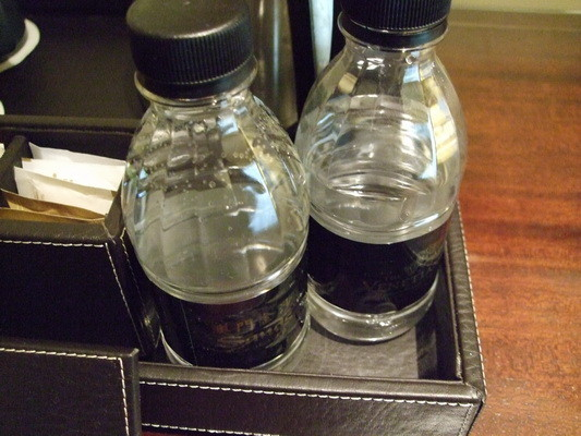 100.兩瓶水