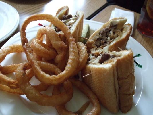 牛肉三明治 + 洋蔥圈