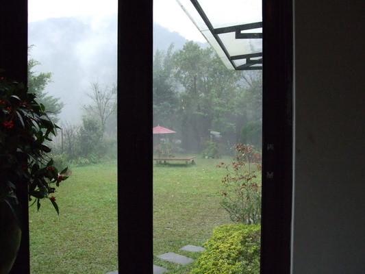 3. 窗外一景