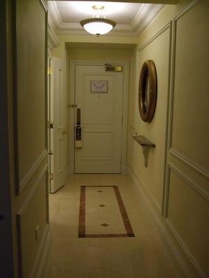 92.進房後走廊