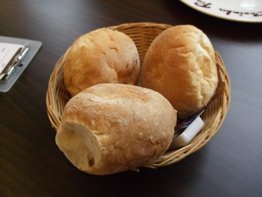 80.木偶葡國餐廳-餐前麵包