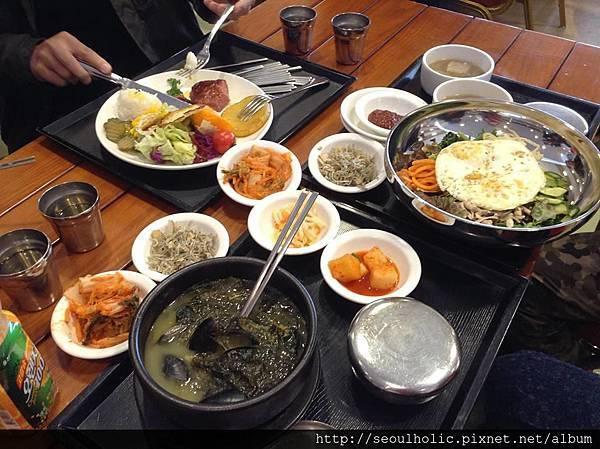 007 (2))各具特色的餐點