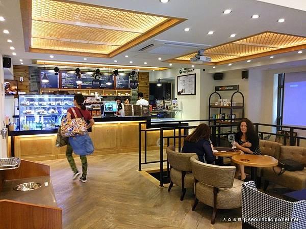 M_咖啡廳店內觀