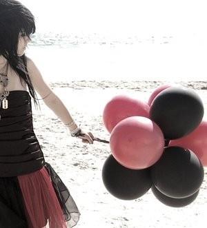 紅黑氣球.jpg