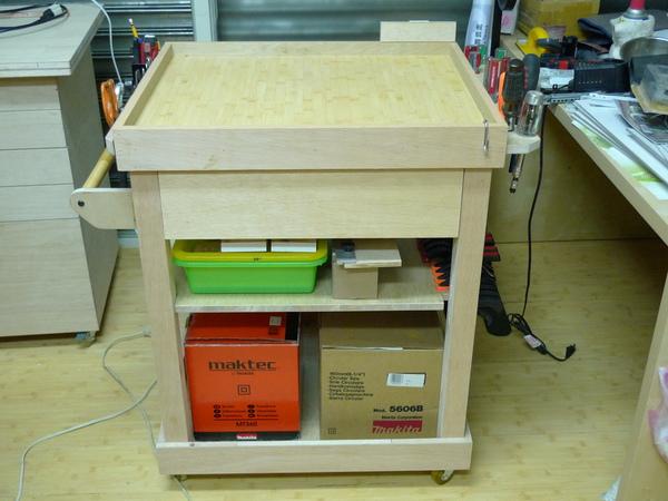 工作桌-2.JPG