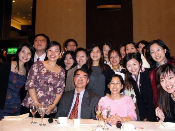毛永年 林瑩老師 與93B合照-2