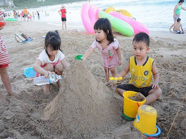 playing sand-1.jpg