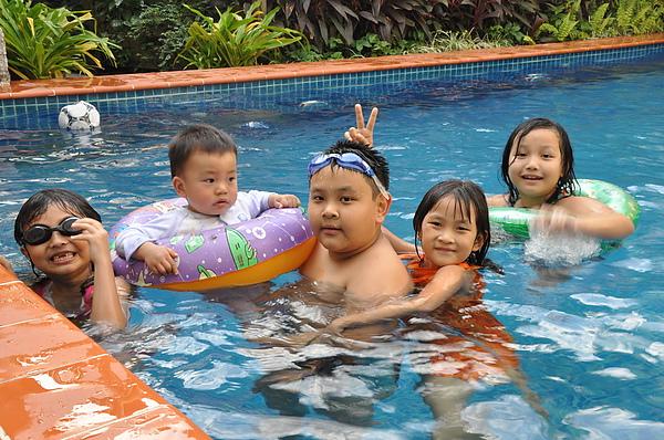 swimming pool-1.jpg