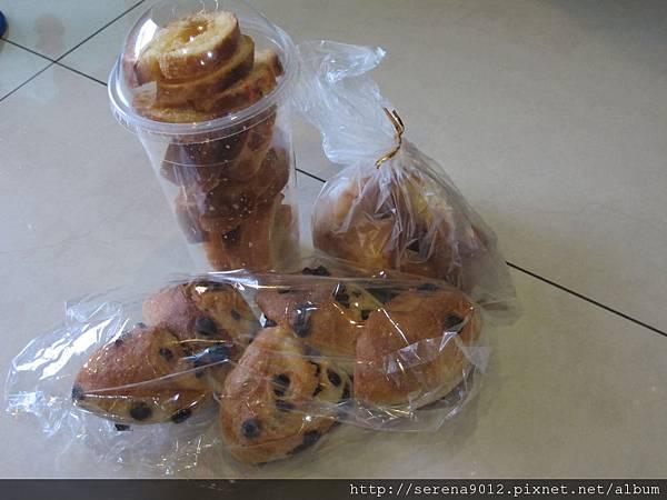 信三麵包八折湊熱鬧買的 86.JPG